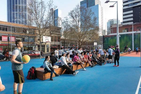 ایجاد سکو برای نشستن ناظرین اثر هنری یا مسابقات ورزشی دانشگاه