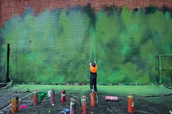 رنگ آمیزی بدنه سایت و خلق آثار هنر مفهومی