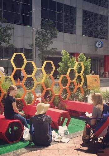 نمایش پتانسیل فضاهای کوچک در روز پارک به جای پارکینگ