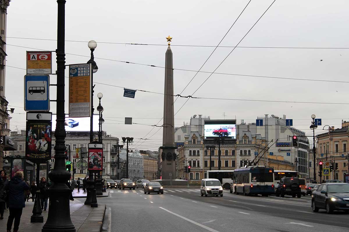 منظر خیابان نوسکی پراسپکت به عنوان محور اصلی شهر سن پترزبورگ