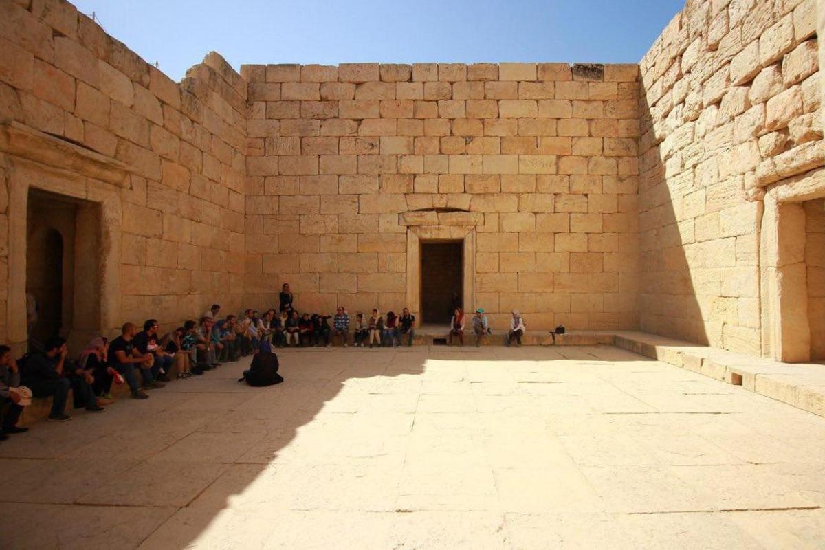 معبد آناهیتا، فضایی در ستایش آب