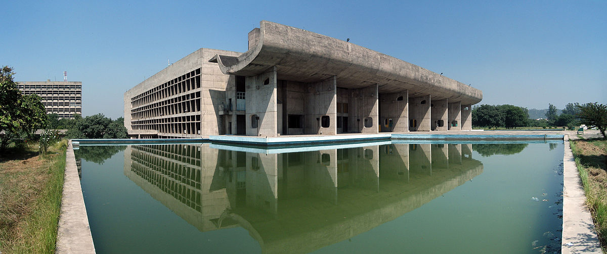 چاندیگار برخورد مدرنیته و سنت؛ نقش خنثی بودن فضاهای معماری مدرن در تطبیق پذیری با محیط